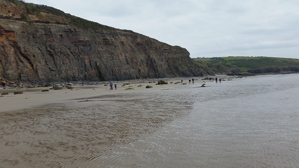 Walking along the beach to Amroth